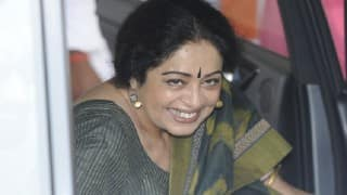 Kirron Kher flays univ dir for not having her name on plaque