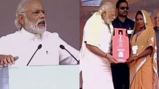 PM Narendra Modi launches Pradhanmantri Ujjwala Yojana in Ballia on Labour Day