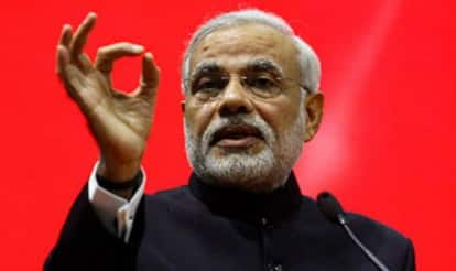 Narendra Modi slams Congress over VVIP Chopper deal; attacks UDF, LDF