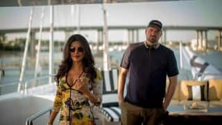 Priyanka Chopra's cleavage in this Baywatch picture is grabbing all the eyeballs! Check it out!