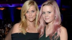 Reese Witherspoon's daughter flaunts bubblegum pink hair