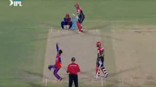 IPL 2016: Royal Challengers Bangalore qualify for Play-offs with thumping win over Delhi Daredevils