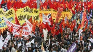 Thousands rally in Turkey to mark May Day amid tight security