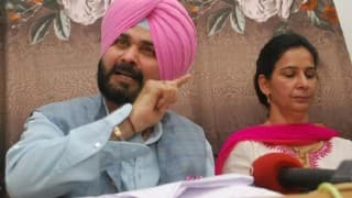 Navjot Singh Sidhu hits out at journalist on being questioned about AAP, says 'Narendra Modi is my hero' (Watch Video)