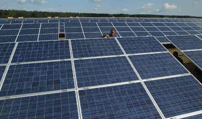 solar panel project report pdf