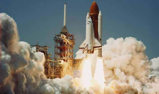 picture of the first u.s space shuttle - photo #39
