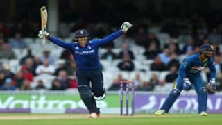 Jason Roy's stunning knock powers England to victory