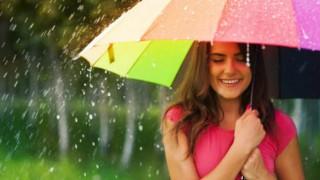 Barish Ka Mausam: आ गया भीगा-भागा Monsoon, जाएं बारिश में भीग आएं, जानें बेमिसाल फायदे | Rain Water Benefits In Hindi