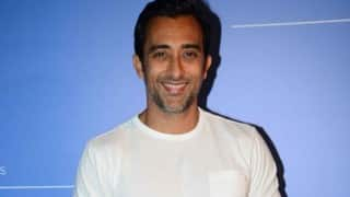 Did Rahul Khanna just say YES to a female fan's marriage proposal on Twitter?