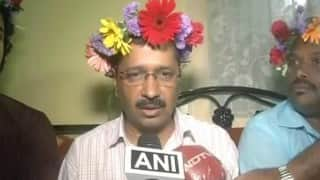 Arvind Kejriwal wears flowery crown and it is being remarked with a same SnapChat filter joke