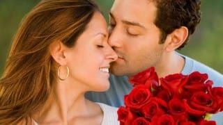 Know The Right Colour of Rose to Gift to Your Love Today!