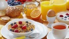 सुबह नाश्ता न करना और रात का भोजन देर से करना है खतरे की घंटी, बरते ये सावधानी