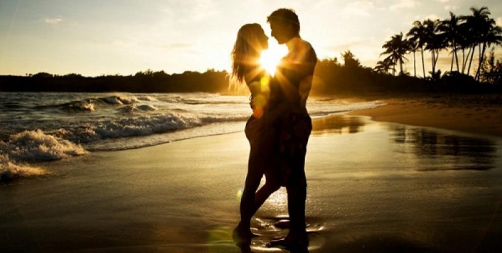 Happy Hug Day 2019 Wishes: ये मैसेज कहेंगे दिल की बात, देखें 20 Best SMS, WhatsApp, Facebook Messages, Greetings