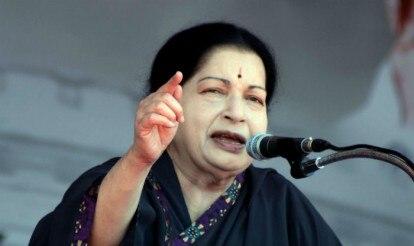 Jayalalithaa urges Narendra Modi to get fishermen released from Sri Lanka