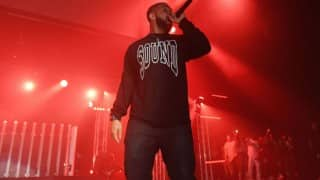 Rapper Drake charged with fine for crossing venue time limit
