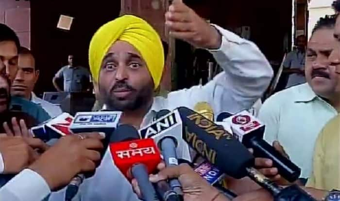 Kejriwal evades question on Bhagwant Mann