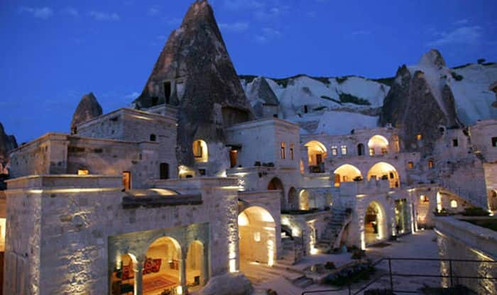 10 Most exotic cave hotels in the world that will add spice to your  honeymoon like nothing else!