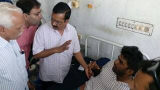 गुजरात के दलित पीड़ितों से मिले केजरीवाल