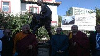 Hamid Ansari unveils Mahatma Gandhi's stone statue in Mongolian monastery