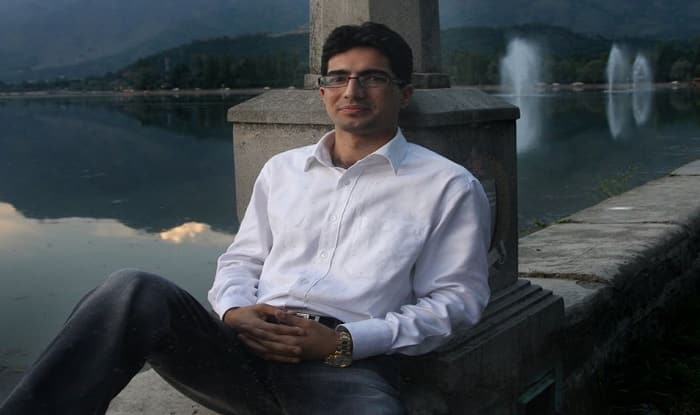 आईएएस परीक्षा टॉप करने वाले पहले कश्मीरी शाह फैसल ने दिया इस्तीफा, राजनीति में आएंगे