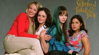 Sisterhood of the Traveling Pants cast reunite for photo