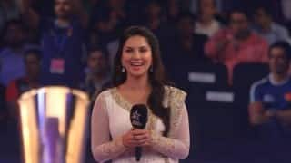 Sunny Leone in trouble for singing national anthem at Pro Kabaddi League! Police complaint filed against actress!