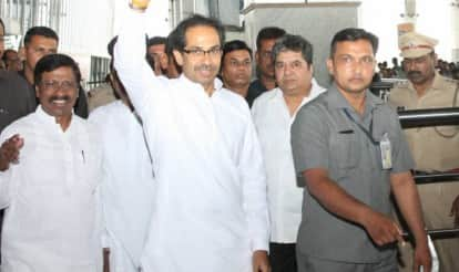 Narendra Modi wishes Uddhav Thackeray on his birthday- an attempt at friendship?
