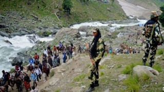 Shiv Sena (H) protests against disruption in Amarnath Yatra