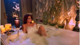 HOT DAMN! Ariel Winter poses nude in bathtub