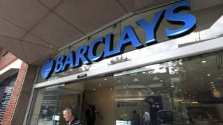 Ex-Barclays director admits tipping off plumber for cash