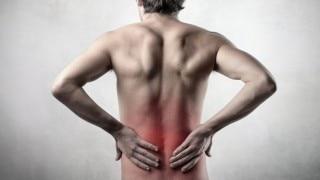 Ankylosing Spondylitis: पता भी नहीं चलता और बढ़ जाती है रीढ़ की हड्डी, फिर होता है ये...