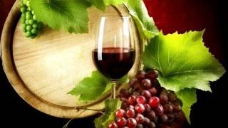 आंत के लिए बेहद फायदेमंद Red Wine, जानें कब और कितनी पीएं...