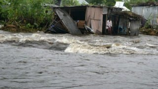 Flood fury continues in Bihar, death toll hits 153