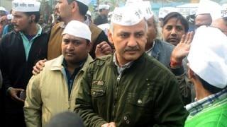 Delhi: ACB raids PWD office over demolition of BRT corridor, Manish Sisodia dares PM Modi to arrest all AAP MLAs