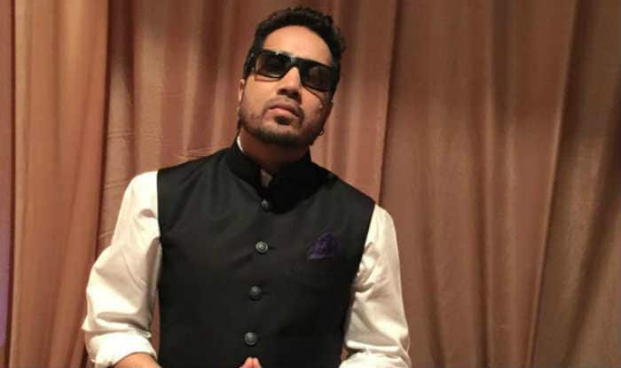 Mika Singh detained in Dubai for sending obscene pic to Brazilian teen