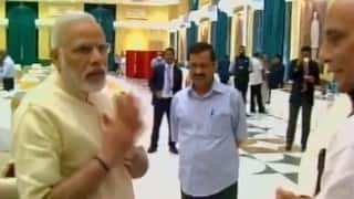 Narendra Modi brushes off Arvind Kejriwal at Inter-State Council meet (Watch video)