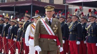 Spain King Felipe VI tasks acting PM Mariano Rajoy with forming new government