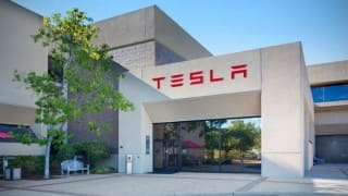 Elon Musk Explains Closure of Several Retail Stores of Tesla to Employees