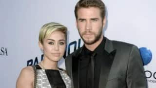 Miley Cyrus makes romance with Liam Hemsworth official