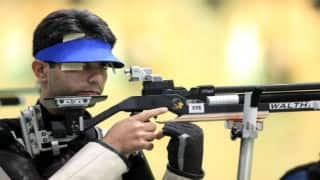 Abhinav Bindra qualifies for 10m Air Rifle finals, Gagan Narang bows out
