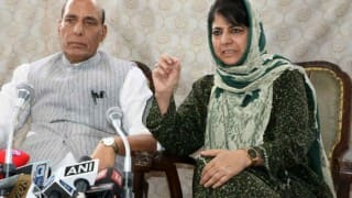 Kashmir unrest: Mehbooba Mufti invites Hurriyat for talks, after members of all-party delegation demand their inclusion