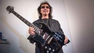 Black Sabbath guitarist wins battle with cancer
