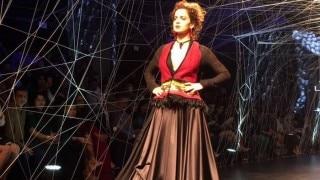 Lakme Fashion Week Winter Festive 2016: Kangana Ranaut dazzles on opening day of LFW (Video)