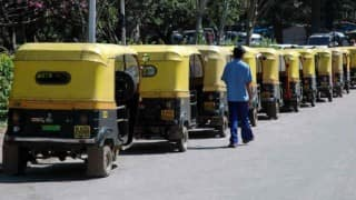 Man dies after being hit by auto rickshaw in Delhi