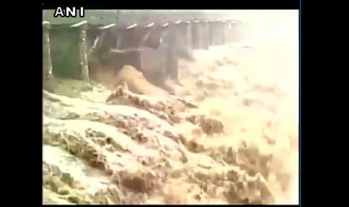 Himachal Pradesh: 44-year old bridge collapsed, no casualties reported (Watch video)