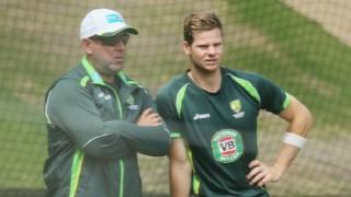 Darren Lehmann backs Steve Smith's Sri Lanka series opt out