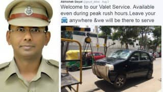 Twitter loved this Bangalore Cop who decided to warn traffic offenders with his humor game on