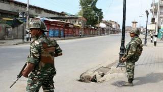 Kashmir unrest: One policeman killed by separatists guerillas in Kashmir's Pulwama district