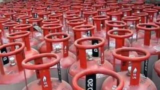 LPG Cylinder Price Hike: 50रुपये बढ़ गए हैं रसोई गैस के दाम, जानिए आपके शहर में क्या है कीमत