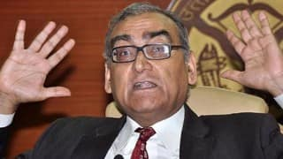 Justice Markandey Katju presents new Constitution, whose Preamble reads: 'We, The People of India, who are casteist, communal and stupid'